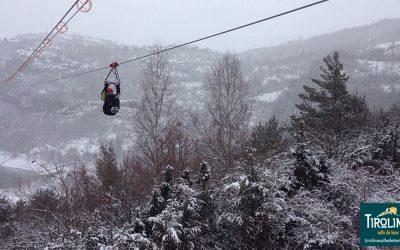 Tirolina del Valle de Tena amplia sus horarios en febrero ¿te vienes?