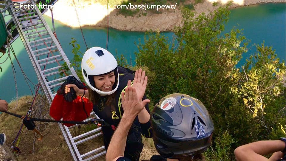 Base Jump EWC 2016. Foto: https://www.facebook.com/basejumpewc/