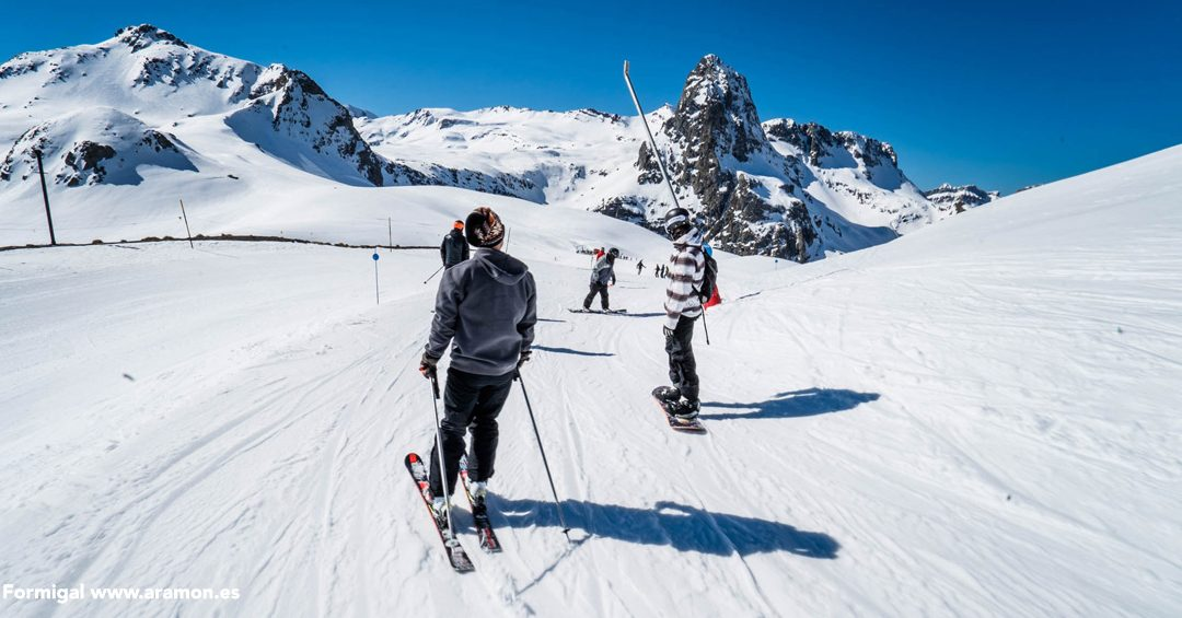 Saltos en Tirolina, música y actividades en familia para el finde de San José en el Valle de Tena