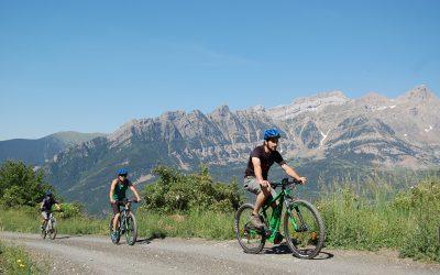 ¿Has probado las bicicletas eléctricas? Conoce le valle de Tena sin esfuerzo
