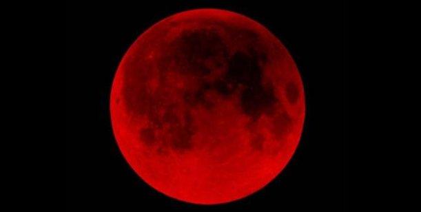Vive la Luna Roja… volando en Tirolina