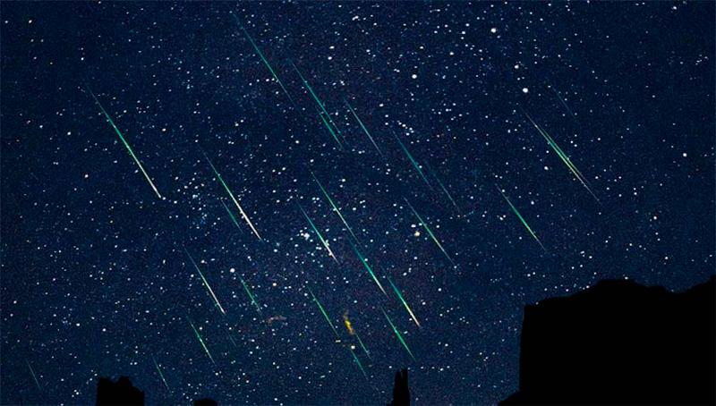 Vive la lluvia de estrellas mientras saltas en Tirolina