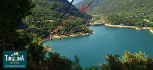 Hoz de Jaca, con sus 1.270 metros de altitud, colgado sobre el pantano de Búbal constituye un balcón sobre sus aguas.