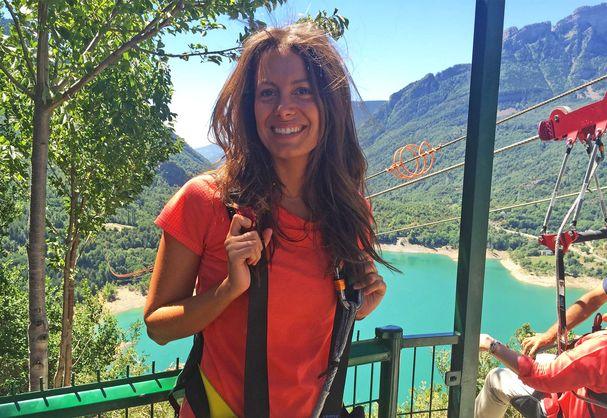 Descubre con Laura Madrueño (Cuatro TV) la Tirolina del Valle de Tena, la tirolina doble más larga de Europa. ¿quieres ver cómo fue su salto?