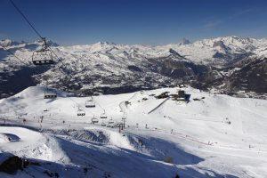 Las estaciones de esquí del valle de Tena aumentan su dominio esquiable y alcanzan ya los 147 kilómetros este fin de semana.