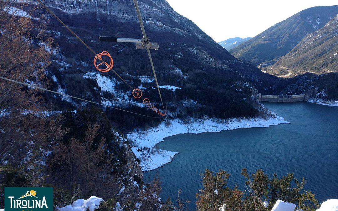 Tirolina Valle de Tena tras la nevada