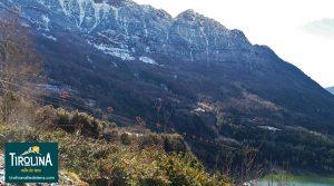 Tirolina del Valle de Tena en el Pirineo: deslízate por la tirolina doble más larga de Europa...