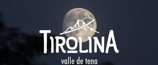 Saltos nocturnos en la tirolina del Valle de Tena