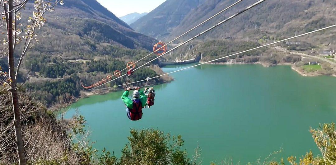 Aramón Formigal-Panticosa comienza una serie de vídeos para presentar la extensa oferta de ocio en el Valle de #Tena ¡visitando nuestra #Tirolina! ? ¿os animáis a saltar? De 11 a 20h.