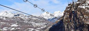 Tirolina del Valle de Tena en el Pirineo: deslízate por la tirolina doble más larga de Europa… ¡también por la noche!